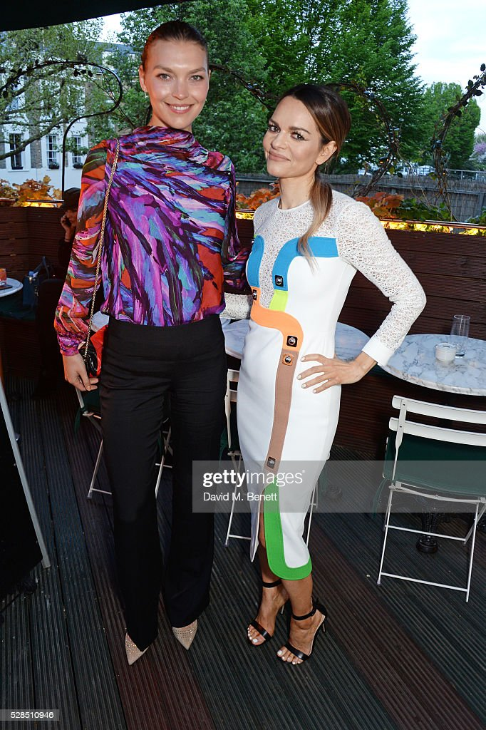 Arizona Muse (L) and Maria Hatzistefanis attend a private dinner hosted by Rodial founder Maria Hatzistefanis & Bay Garnett at Casa Cruz on May 5, 2016 in London, England.