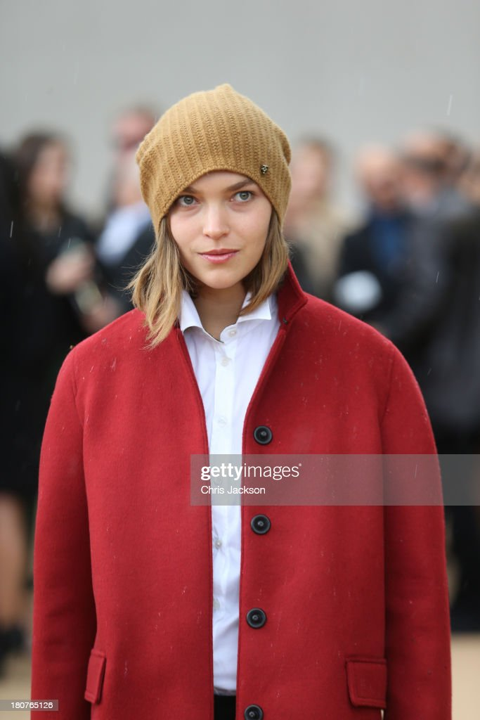 Arizona Muse attends the Burberry Prorsum show at London Fashion Week SS14 at Kensington Gardens on September 16, 2013 in London, England.