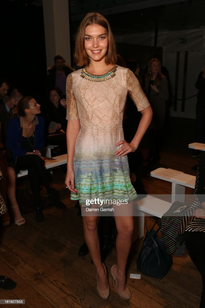Arizona Muse attends the Matthew Williamson show during London Fashion Week Fall/Winter 2013/14 on February 17, 2013 in London, England.