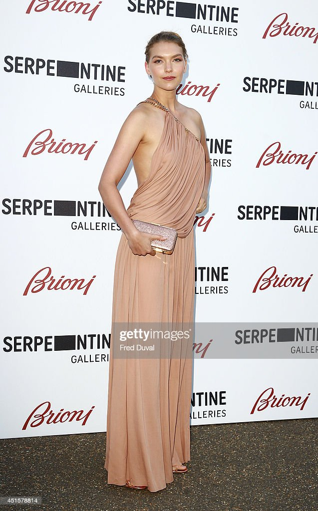 Arizona Muse attends the The Serpentine Gallery summer party at The Serpentine Gallery on July 1, 2014 in London, England.