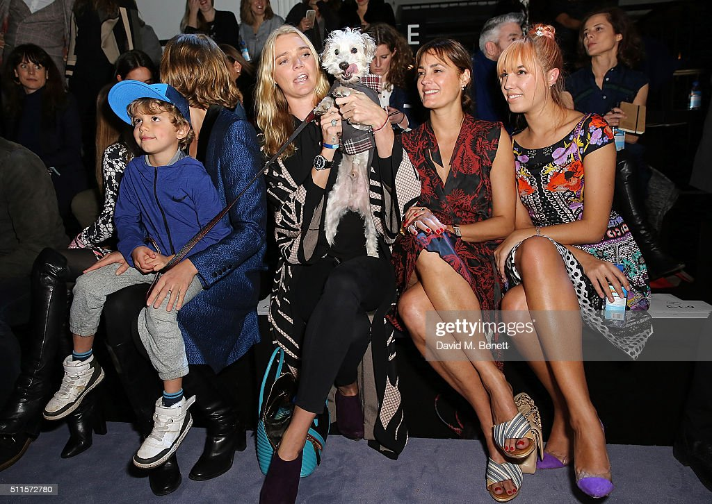 Arizona Muse Jodie Kidd Yasmin Le Bon and Amber Le Bon attend the Temperley London show during London Fashion Week Autumn/Winter 2016/17 at The...