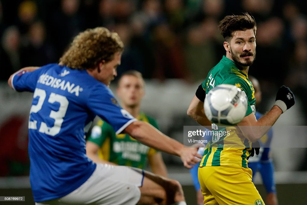 Arjan Swinkels of Roda JC, Edouard Duplan of ADO Den Haag during the Dutch Eredivisie match between ADO Den Haag and Roda JC Kerkrade at Kyocera stadium on February 06, 2016 in The Hague, The Netherlands
