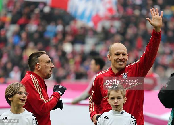 Arjen ROBBEN FC Bayern München winkt Franck RIBERY FC Bayern München 1 Bundesliga Fussball FC Bayern München Werder Bremen 61 Saison 2012 / 2013