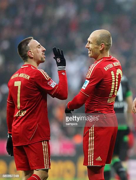 Arjen Robben mit Franck Ribéry 1 FußballBundesliga FC Bayern München vs Werder Bremen