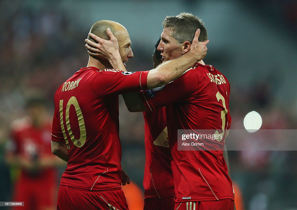 <a gi-track='captionPersonalityLinkClicked' href=/galleries/search?phrase=Arjen+Robben&family=editorial&specificpeople=194740 ng-click='$event.stopPropagation()'>Arjen Robben</a> (L) of Bayern Muenchen celebrates scoring the third goal with <a gi-track='captionPersonalityLinkClicked' href=/galleries/search?phrase=Bastian+Schweinsteiger&family=editorial&specificpeople=203122 ng-click='$event.stopPropagation()'>Bastian Schweinsteiger</a> during the UEFA Champions League Semi Final First Leg match between FC Bayern Muenchen and Barcelona at Allianz Arena on April 23, 2013 in Munich, Germany.