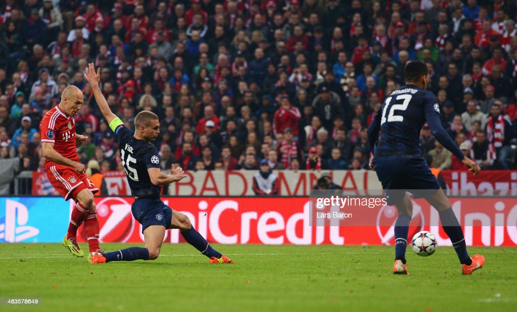 Arjen Robben of Bayern Muenchen scores his team's third goal during the UEFA Champions League Quarter Final second leg match between FC Bayern Muenchen and Manchester United at Allianz Arena on April 9, 2014 in Munich, Germany.