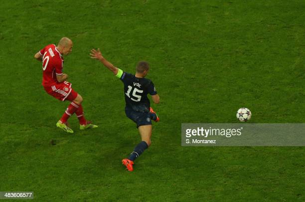 Arjen Robben of Bayern Munich scores his team's third goal during the UEFA Champions League quarter final second leg match between FC Bayern Muenchen...
