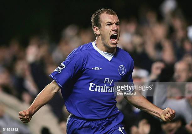 Arjen Robben of Chelsea celebrates scoring during the Barclays Premiership match between Chelsea and Everton on November 6 2004 at Stamford Bridge in...