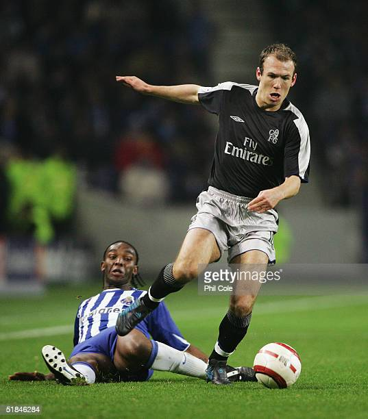 Arjen Robben of Chelsea evades Benni McCarthy of Porto during the Champions League Group H match between FC Porto and Chelsea at the Estadio Do...