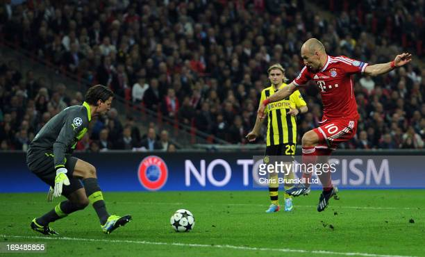 Arjen Robben of FC Bayern Muenchen scores his side's second goal during the UEFA Champions League final match between Borussia Dortmund and FC Bayern...