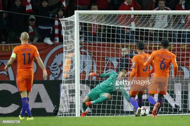 Arjen Robben of Holland goalkeeper Jasper Cillessen of Holland Virgil van Dijk of Holland Georginio Wijnaldum of Holland 11 during the FIFA World Cup...
