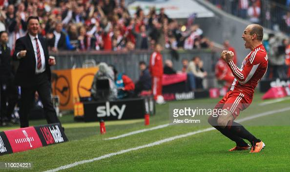 Arjen Robben of Muenchen celebrates his team's second goal during the Bundesliga match between FC Bayern Muenchen and Hamburger SV at Allianz Arena...