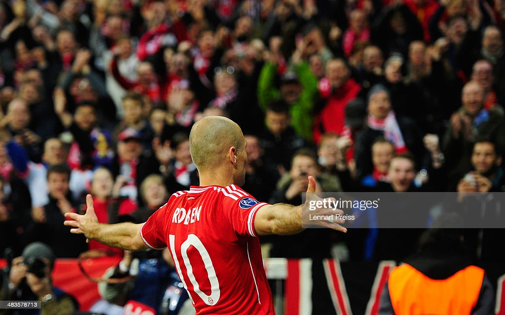 Arjen Robben of Muenchen celebrates his teams third goal during the UEFA Champions League quarter-final second leg match between FC Bayern Muenchen and Manchester United at Allianz Arena on April 9, 2014 in Munich, Germany.