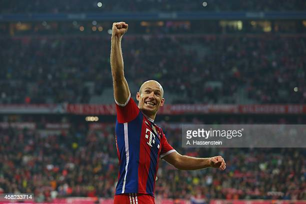 Arjen Robben of Muenchen celebrates victory after winning the Bundesliga match between FC Bayern Muenchen and Borussia Dortmund at Allianz Arena on...