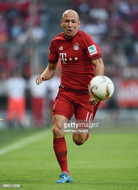 Arjen Robben of Muenchen controls the ball during the Bundesliga match between FC Bayern Muenchen and Bayer Leverkusen at Allianz Arena on August 29...