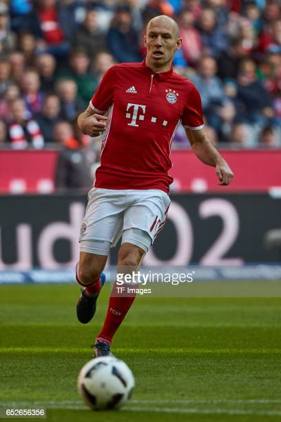 Arjen Robben of Muenchen controls the ball during the Bundesliga match between Bayern Muenchen and Eintracht Frankfurt at Allianz Arena on March 11...