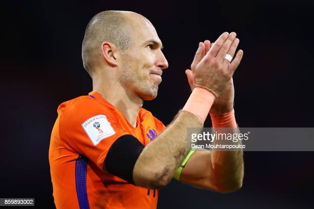 Arjen Robben of Netherlands claps the crowd after the FIFA 2018 World Cup Qualifier between Netherlands and Sweden at the Amsterdam Arena on October...
