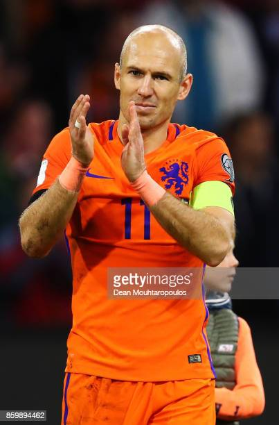 Arjen Robben of Netherlands claps the crowd with his children after the FIFA 2018 World Cup Qualifier between Netherlands and Sweden at the Amsterdam...