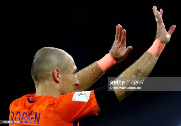 Arjen Robben of Netherlands waves to the crowd after the FIFA 2018 World Cup Qualifier between Netherlands and Sweden at the Amsterdam Arena on...