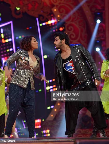 Arjun Kapoor and Sonakshi Sinha at Big Star Entertainment Awards 2014 in Mumbai