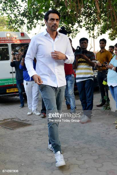 Arjun Rampal during the funeral of veteran actor Vinod Khanna in Mumbai