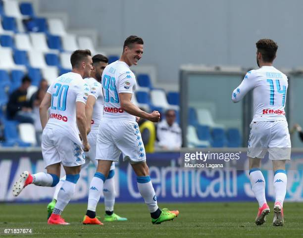 Arkadiusz Milik of Napoli celebrates after scoring his team's equalizing goal during the Serie A match between US Sassuolo and SSC Napoli at Mapei...