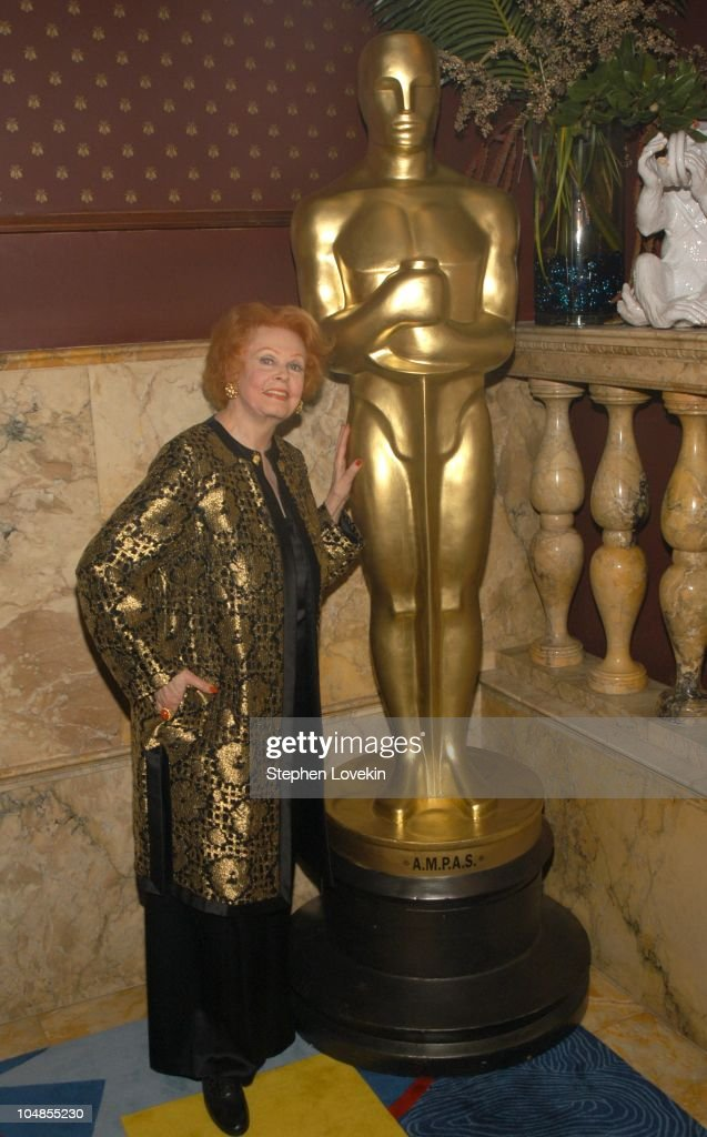<a gi-track='captionPersonalityLinkClicked' href=/galleries/search?phrase=Arlene+Dahl&family=editorial&specificpeople=208163 ng-click='$event.stopPropagation()'>Arlene Dahl</a> during Official 2003 Academy of Motion Picture Arts and Sciences Oscar Night Party at Le Cirque 2000 at Le Cirque 2000 in New York, NY, United States.