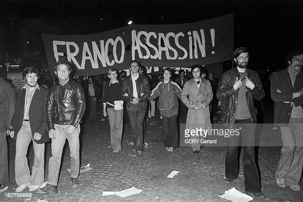 Arlette Laguiller In Paris To Demonstrate Against The Death Sentences Decreed By General Franco In Spain Paris en septembre 1975 Arlette LAGUILLER...