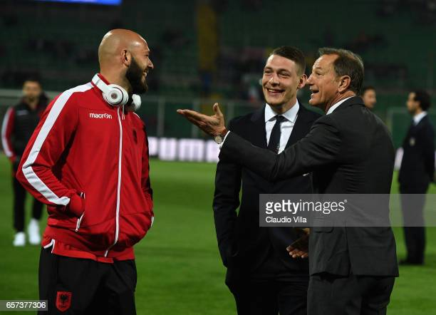Arlind Ajet Andrea Belotti and Head coach Albania Giovanni De Biasi chat ahead of the FIFA 2018 World Cup Qualifier between Italy and Albania at...