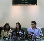 Arline Kercher the mother of murdered student Meredith Kercher sister Stephanie Kercher and her brother Lyle Kercher hold a press conference prior to...