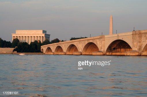 'Arlington Bridge, Lincoln Memorial and National Monument, Washin'