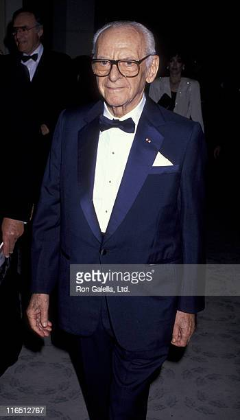 Armand Hammer attends 17th Annual American Film Institute Lifetime Achievement Awards Honoring Gregory Peck on March 9 1989 at the Beverly Hilton...