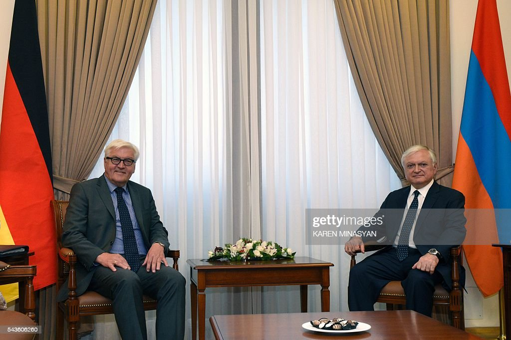 Armenian Foreign Minister Edward Nalbandian (R) meets with German Foreign Minister Frank-Walter Steinmeier, who currently chairs the Organisation for Security and Cooperation in Europe (OSCE) monitoring body, in Yerevan on June 29, 2016. / AFP / KAREN
