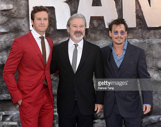 ¿Cuánto mide Johnny Depp? - Altura - Real height Armie-hammer-gore-verbinski-and-johnny-depp-attend-the-uk-premiere-of-picture-id174196686?s=612x612