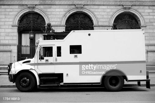 装甲トラック