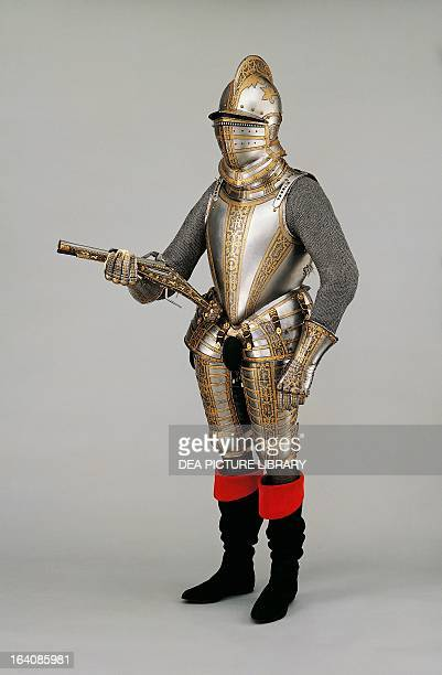 Armour of Sir John Smythe made at Greenwich ca 1585 England 16th century London Royal Armouries National Museum Arms And Armour