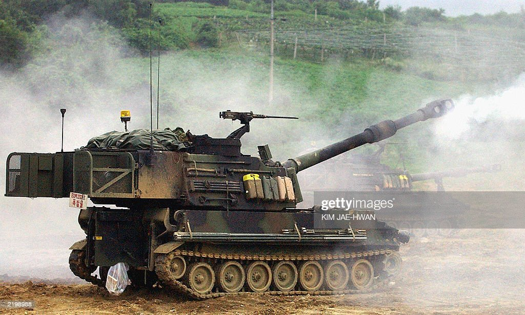 Army 2nd Infantry division M109A6 Palidin 155mm selfpropelled Howitzer fires during live fire exerises at Younchun near the Demilitarized Zone...