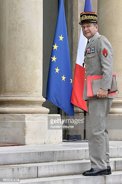 Army Commander in Chief General Pierre de Villiers arrives at the Elysee Palace for a security council with French President Francois Hoillande on...