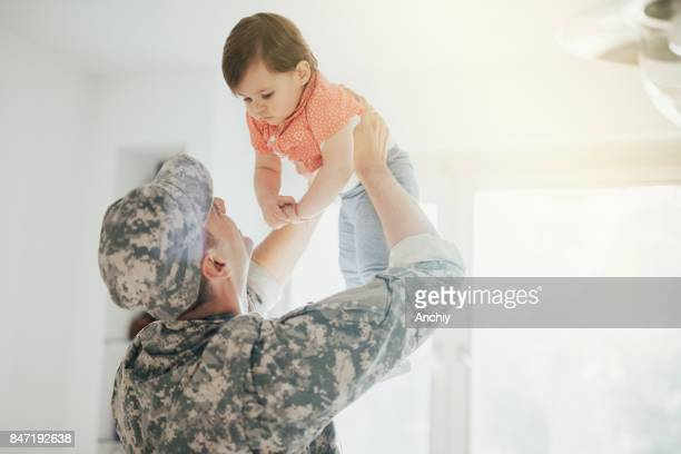 Army Dad Reunites With His Little Girl