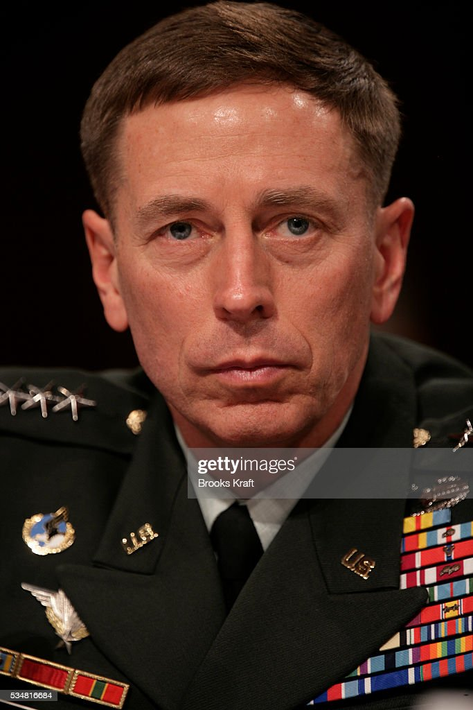 Army General <b>David Petraeus</b>, the top commander of U.S. forces in Iraq, ... - army-general-david-petraeus-the-top-commander-of-us-forces-in-iraq-picture-id534816684