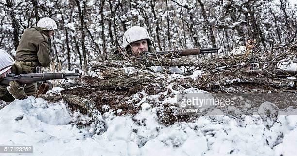 SEGUNDA GUERRA MUNDIAL NOS Ejército de Infantería Francotiradores Rifles de camuflaje tiro detrás de invierno