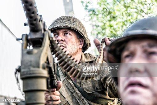 arm e am ricaine de la seconde guerre mondiale m1919 browning 030 caliber machine gunner photo. Black Bedroom Furniture Sets. Home Design Ideas
