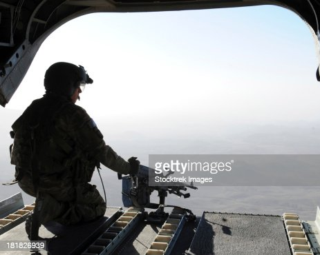 chinook middle eastern single men St paul — the pentagon released the names thursday of the 30 american servicemen, including 22 members of the navy seals, killed last week when the taliban shot down a chinook transport .