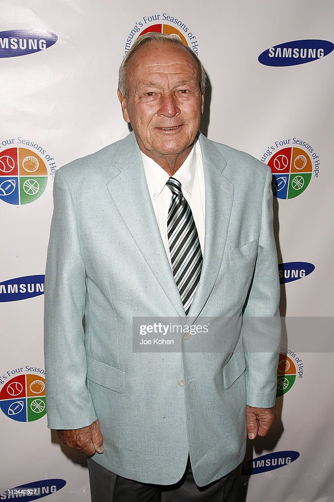 <a gi-track='captionPersonalityLinkClicked' href=/galleries/search?phrase=Arnold+Palmer&family=editorial&specificpeople=93096 ng-click='$event.stopPropagation()'>Arnold Palmer</a> during Samsung's Four Seasons Of Hope Gala to Benefit the Keep a Child Alive Foundation at Cipriani Wall Street in New York City, New York, United States.