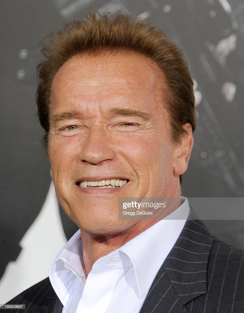 <a gi-track='captionPersonalityLinkClicked' href=/galleries/search?phrase=Arnold+Schwarzenegger&family=editorial&specificpeople=156406 ng-click='$event.stopPropagation()'>Arnold Schwarzenegger</a> arrives at Los Angeles premiere of 'The Expendables 2' at Grauman's Chinese Theatre on August 15, 2012 in Hollywood, California.