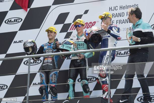Aron Canet of Spain and Estrella Galicia 0 Joan Mir of Spain and Leopard Racing and Fabio Di Giannantonio of Italy and Del Conca Gresini Moto3...