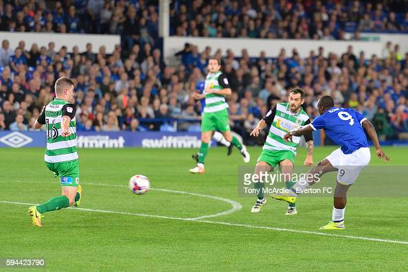 Arouna Kone shoots to score his first goal during the EFL Cup match between Everton and Yeovil Town at Goodison Park on August 23 2016 in Liverpool...