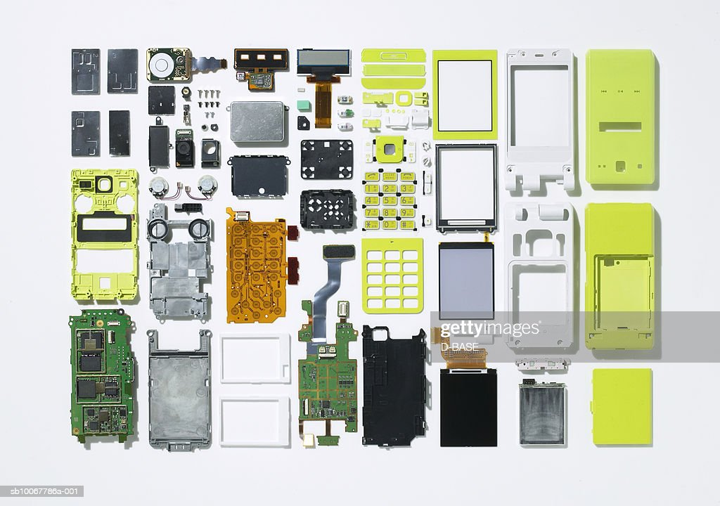 Arrangement of parts that constitute cell phone : Stock Photo