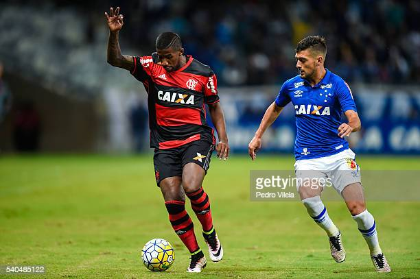 Arrascaeta of Cruzeiro and Rodinei of Flamengo battle for the ball during a match between Cruzeiro and Flamengo as part of Brasileirao Series A 2016...