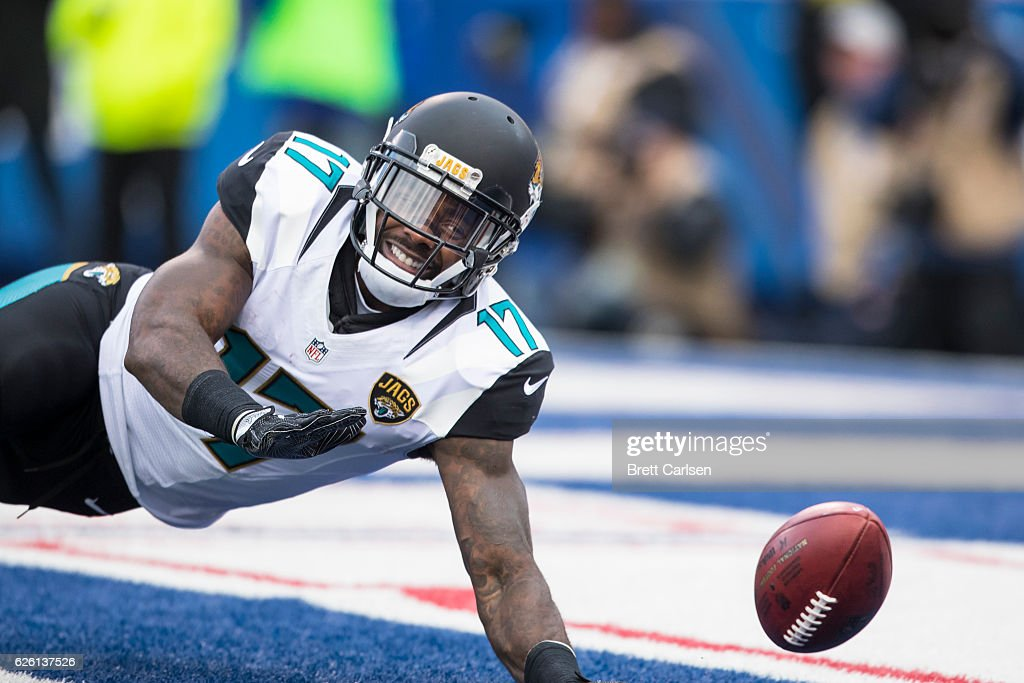 Arrelious Benn #17 of the Jacksonville Jaguars dives to down a punt that rolled into the end zone for a Buffalo Bills touchback during the second quarter on November 27, 2016 at New Era Field in Orchard Park, New York.